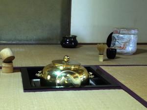 0名古屋城金の茶釜